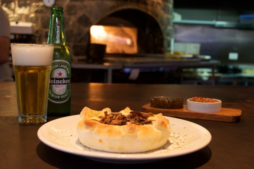 besares-pizza-tarta-individual-champignones-mozzarella-830x554