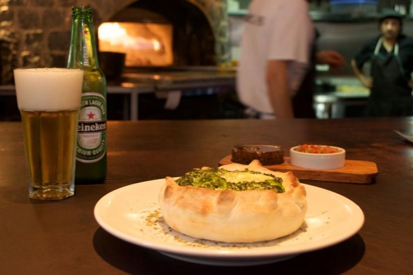 besares-pizza-tarta-individual-espinaca-mozzarella-830x554